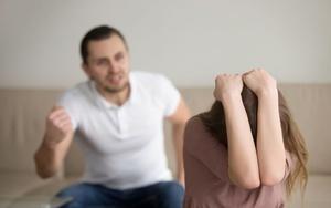 Бывший муж угрожает физической расправой и убийством, что делать жене?