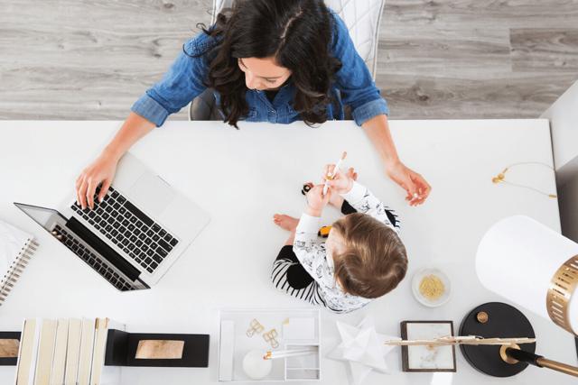 Работа на дому для мам в декрете: подработки и бизнес идеи