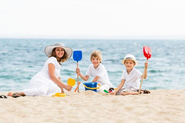 Кто имеет первоочередное право на отпуск в летний период?
