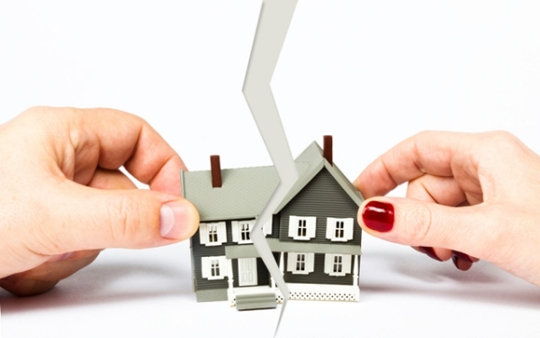 Ипотека при разводе - с детьми, бывшие супруги созаемщики, как платить, до брака, банк может отобрать, судебная практика, советы юриста