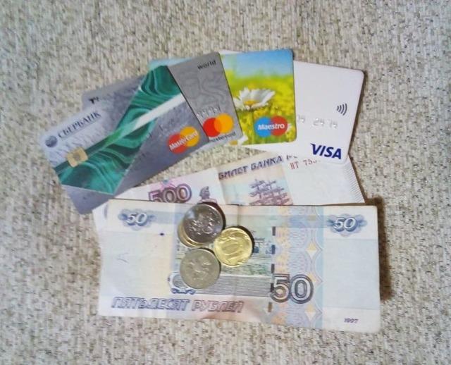Могут ли судебные приставы снимать деньги с банковской карты Сбербанк