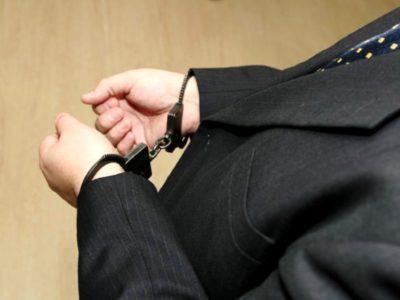 Мошенничество в особо крупном и крупном размере: сколько видов наказания, что считается покушением на это злодеяние, каковы сроки лишения свободы или суммы штрафов по ст. 159 УК РФ?